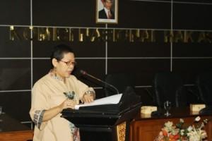 Siti Noor laila saat menyampaikan laporan