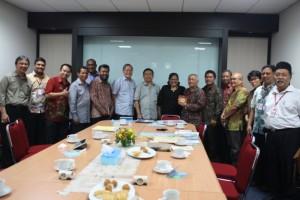 Foto bersama usai pertemuan