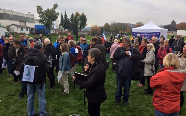 Suasana peserta Ziarah untuk Keadilan Iklim di lapangan Wuppertal, Jerman. (Foto: Dok. Pribadi)