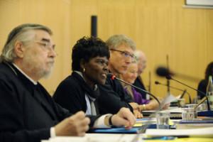 Komisi Eksekutif Dewan Gereja-gereja se-Dunia (DGD) saat rapat.