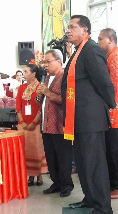 Sekretaris Kota Ambon A.G.Latuheru,.SH,.M.Sidan Pimpinan Klasis Pulau Ambon Pdt.H.Siahaya